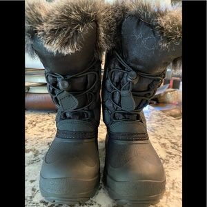Size 10 Kamik snow boots. Never worn.